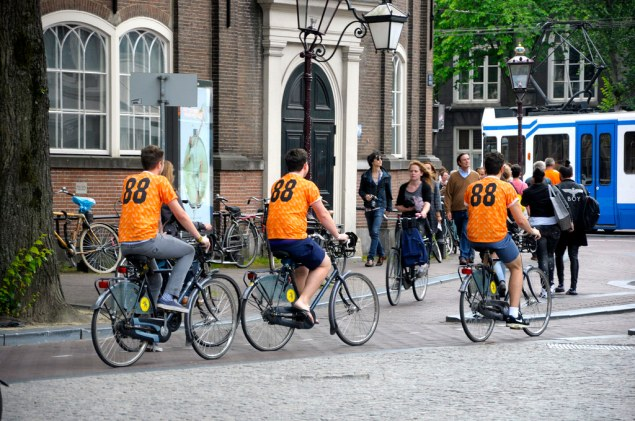 amsterdam cyclists