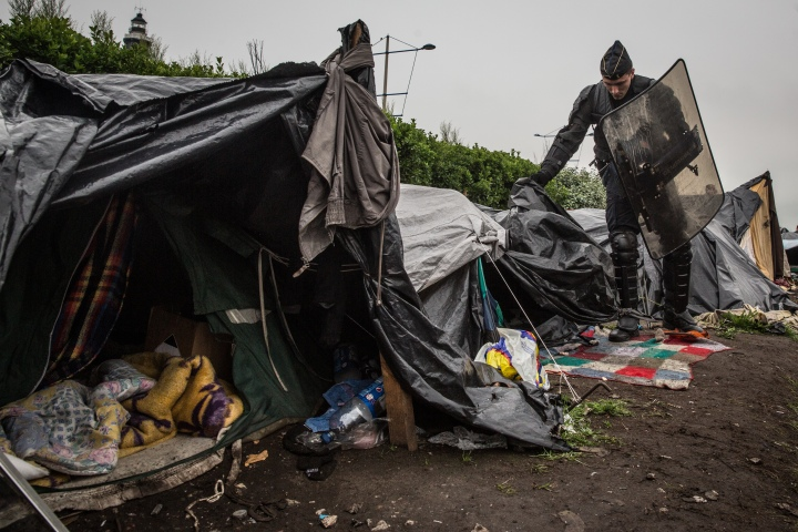 Temporary refugee housing in Calais, 2014 (Photo by Gustav Pursche / Calais Migrant Solidarity)